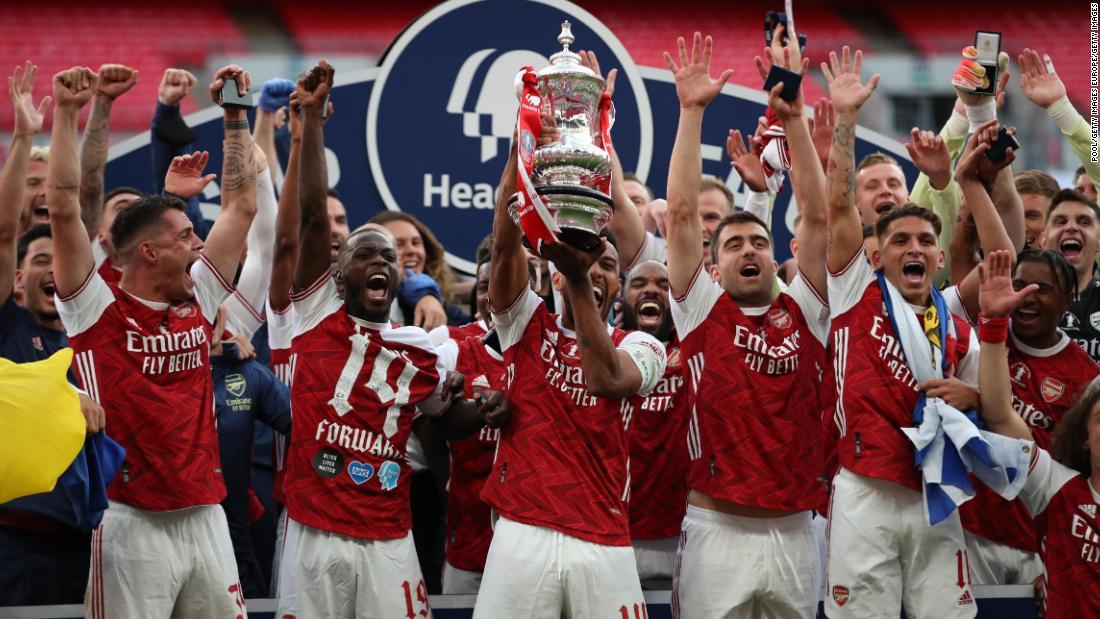 Pierre-Emerick Aubameyang hilft Arsenal, den FA Cup gegen Chelsea zu gewinnen