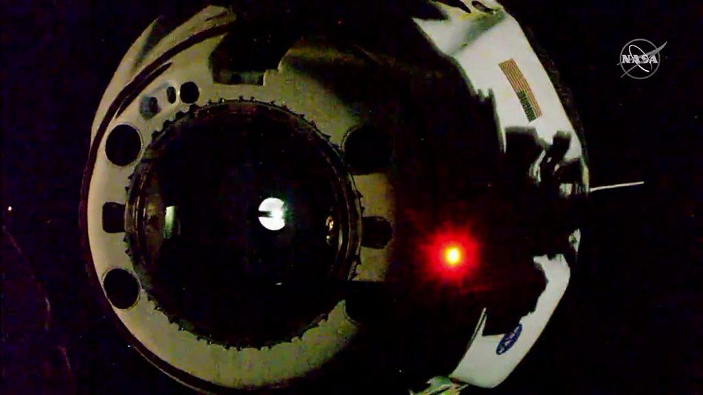 Rückkehr der Nasa SpaceX-Crew: Drachenkapsel spritzt nach unten