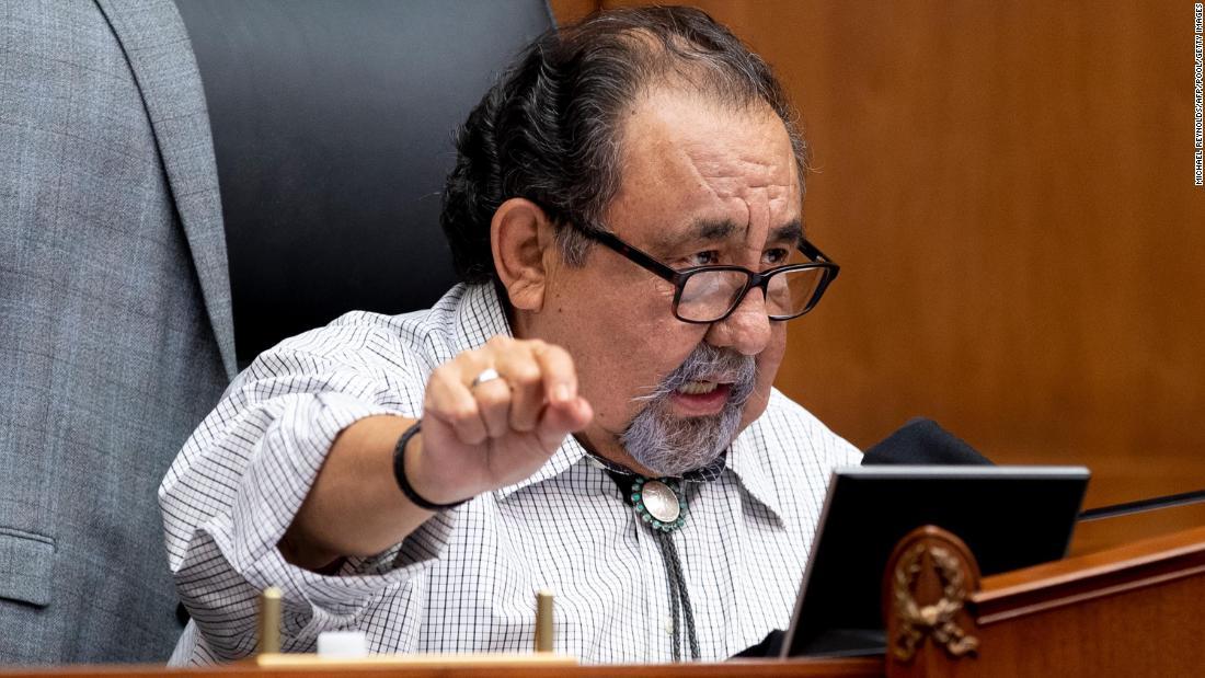 Raul Grijalva: Demokratischer Kongressabgeordneter aus Arizona testet positiv auf Covid-19