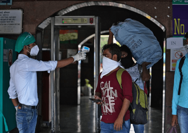India reports 52,972 new coronavirus cases, total tally crosses 18-lakh mark