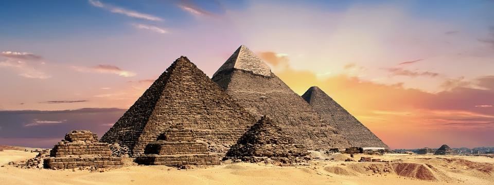 Ägypten lädt Musk ein, zu sehen, ob Außerirdische Pyramiden gebaut haben