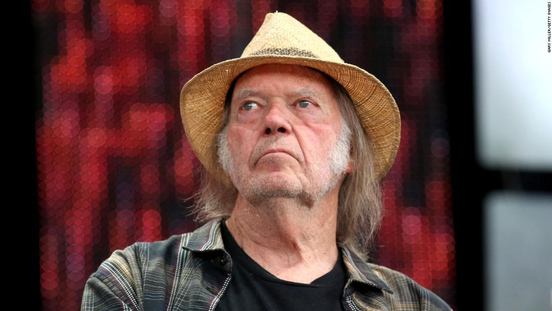 Neil Young bringt Trumps Wiederwahlkampagne wegen Urheberrechtsverletzung vor Gericht