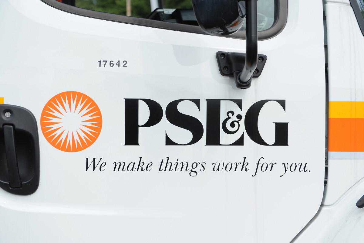 Die Bewohner von Long Island reißen PSEG wegen schlechten Kundenservice nach Isaias