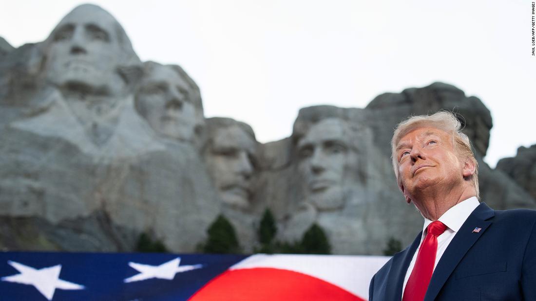 NYT: Das Weiße Haus hat sich an den Gouverneur von South Dakota gewandt, um Trump zum Mount Rushmore hinzuzufügen
