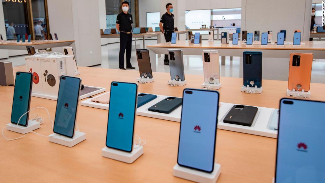 Das Smartphone-Geschäft von Huawei ist gefährdet, nachdem die USA den Zugang zu fortschrittlichen Chips gesperrt haben