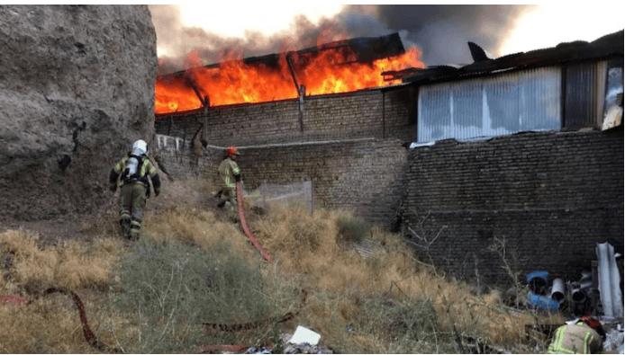 Iran: 4 bei Explosion verletzt, Feuer im Verlagsbereich in Teheran