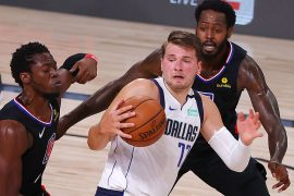 NBA-Play-off-Spieler: Luka Doncic Towers, Kristaps Porzingis fliegt