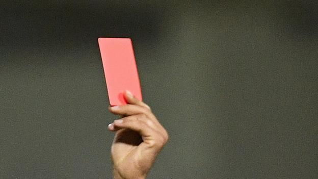 Spieler können wegen absichtlichen Hustens auf die rote Karte gesetzt werden, sagen Ifab & FA