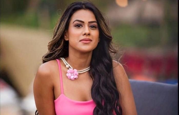 Nia Sharma |